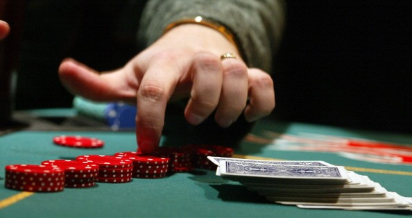 Canadian poker betting guide